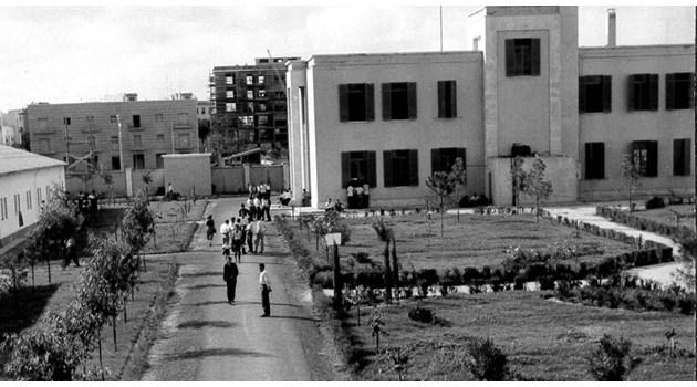 Бягството на 2400 българи от комунизма започва в Италия. В лагера в Латина, откъдето са минали над 80 000 души, е бил и Андрей Тарковски