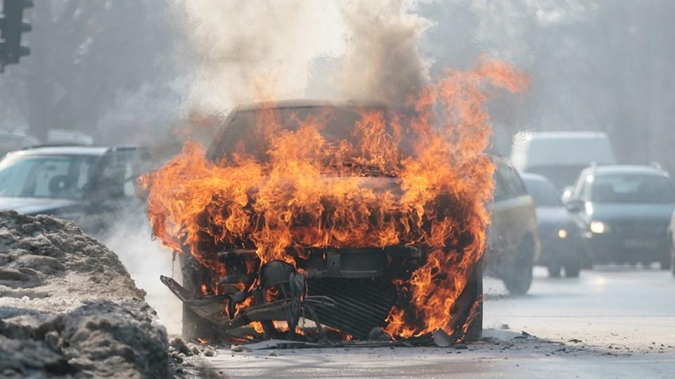 Пиромани и отмъстители палят колите в София