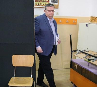 Сотир Цацаров ще представи концепцията си пред депутатите във вторник.