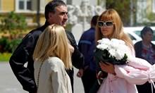 Първата жена на Веско Маринов смути сайт с близостта си до президента Радев