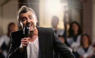 Любо Киров ще има две изпълнения, тъй като два пъти оглавява класацията.  СНИМКА: БНР