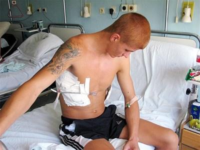 По-големият брат Калоян в болницата след сбиване в дискотека в Слънчев бряг през 2006 г.