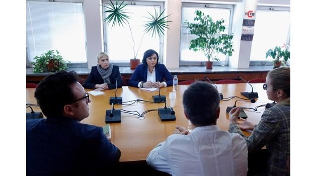 Журналисти на свободна практика отидоха  при БСП за едно, а (не) се разбраха за ЦИК