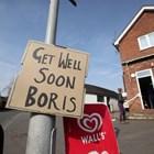 Надпис в подкрепа на премиера Борис Джонсън е окачен на улица в британския град Суинертън.
