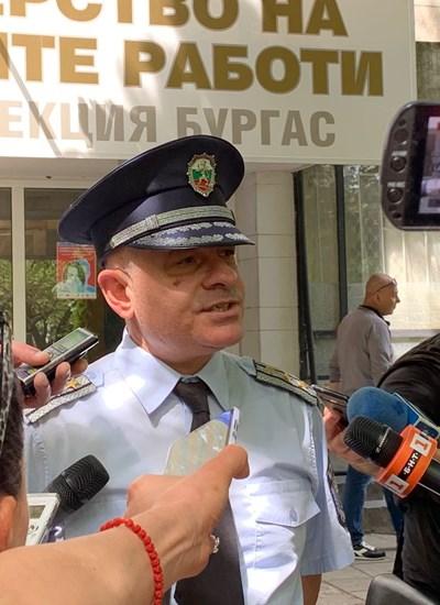 """Комисар Неделчо Рачев изнася данни от акция """"Скорост""""."""