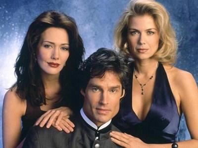 """В """"Дързост и красота"""" Рон Мос като Рич Форестър е разкъсван между две жени - Брук (вдясно) и Тейлър (вляво)."""