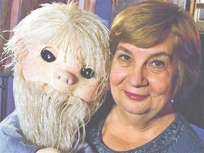 Слава Рачева е избрана случайно да води куклата Педя човек - лакът брада, но тази нейна роля я прави любимка на много поколения. СНИМКА: СИЛВИЯ ГУРМЕВА