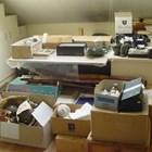 В мазето на Божков открити куп културни ценности в насипно състояние в кашони (Снимки)
