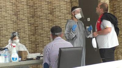 101 са вече заразените с коронавирус в завода за авточасти в Смолян. СНИМКА: Валентин Хаджиев