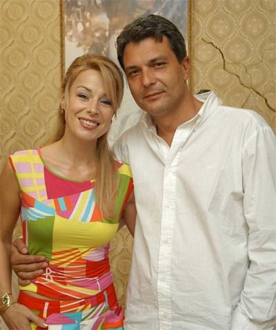 На 19 август режисьорът Георги Торнев и съпругата му Мира Добрева празнуват 5 години от сватбата си.