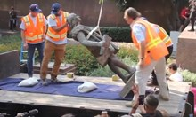 Бутат паметници на  Колумб в Америка,  винят го за геноцид