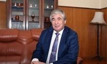 Макаров обещал шпионите да си тръгнат до понеделник
