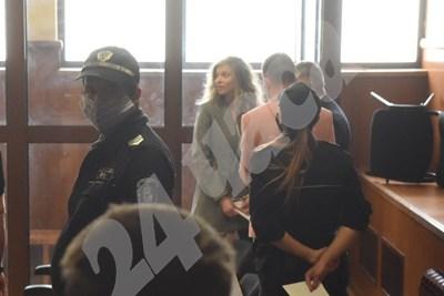 ЛиЛана в съда СНИМКА: 24 часа