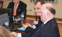 Лозан Панов пак игнорира ВСС, предложиха му тиймбилдинг (Обзор)