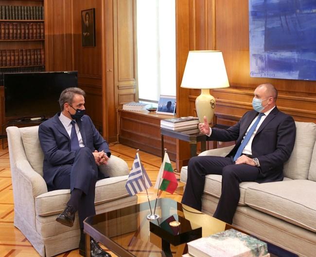Радев: България и Гърция дават пример и надежда, че на Балканите може да има мир