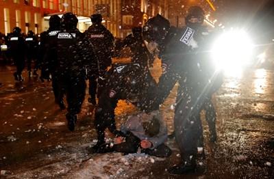 Над 3600 са задържании на съботните протести в Русия СНИМКА: РОЙТЕРС