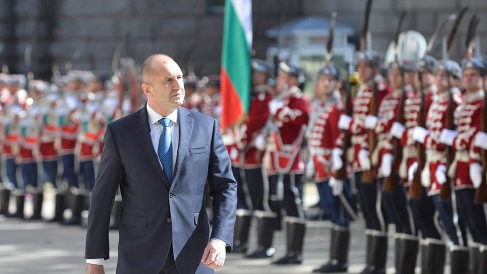 """Военен"" кабинет готви Радев, заради Нинова се отказа да взема за министри от БСП"