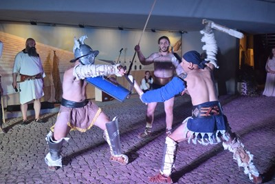 Гладиаторските битки се водеха по всички правила на древния Рим. Снимки: Авторът