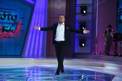 Димитър Рачков открива шоуто си.  КАДРИ: НОВА ТВ