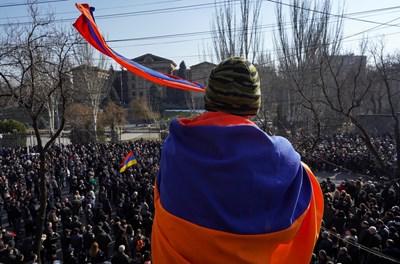 Армения е на ръба на военен преврат СНИМКА: Ройтерс
