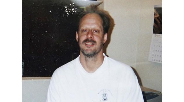 Поквареният нощен живот на убиеца от Лас Вегас - ходел с проститутки и залагал по $1 млн. в казината, където идвал по домашни чехли и си носел алкохол