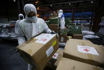 Китай съобщи за 6-ма починали от COVID-19 и без случай на заразен в страната СНИМКА: Ройтерс