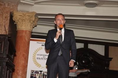"""Министър Красимир Вълчев благодари на """"Отличниците на България"""" за тяхното новаторство."""