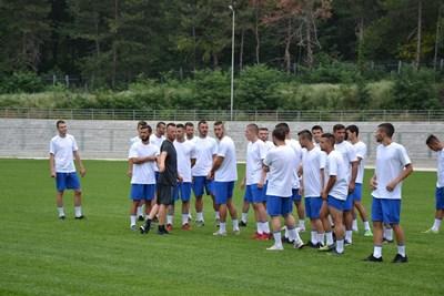 """Отборът на """"Арда"""" със своя треньор Елин Топузаков"""