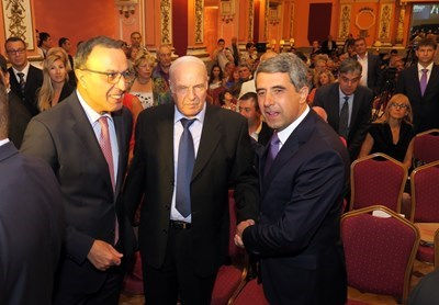 Кавалджиев с президентите Петър Стоянов и Росен Плевнелиев на представянето на книгата