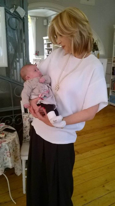 Миа Сантова с дъщеря си Ида