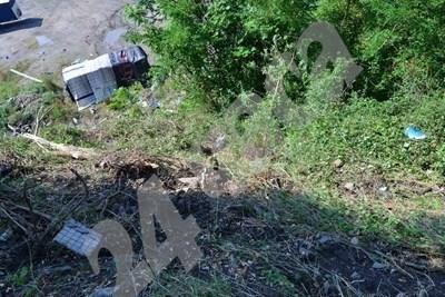 Катастрофиралият автобус край Своге СНИМКА: Йордан Симеонов