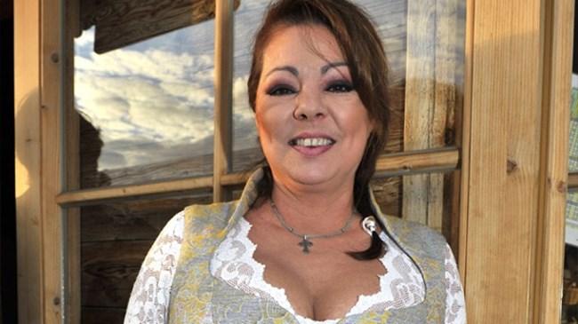 Казашка согласилась на секс с пикаперами в парадной городской многоэтажки - порно видео TOPporno.TV