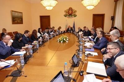 """На първото си заседание за тази година - на 3 януари, кабинетът прие Истанбулската конвенция, но 8 от министрите гласуваха """"против"""". СНИМКА: Пиер Петров"""