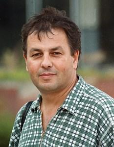 Николай Москов, сниман на традиционния поход до връх Вола. По време на този поход той направи интервю с действащия тогава президент Петър Стоянов.