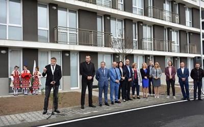 Кметът Атанас Камбитов откри три нови блока с жилища за социално слаби.