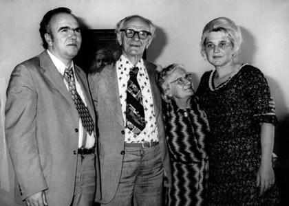 Евтим Евтимов с Петя Йорданова (вдясно)