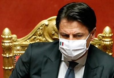 Премиерът Джузепе Конте СНИМКА: Ройтерс
