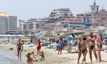 """Черно море се изчиства. Водата е по-безопасна за туристите от предходни години, дори при скандалния плаж """"Вромос"""""""