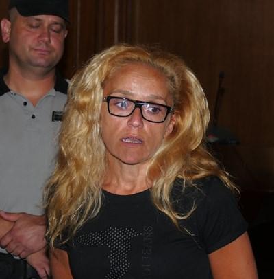 Иванчева не излезе на свобода въпреки решението на Хинов.