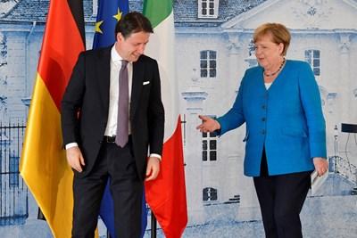 Меркел с премиера на Италия Джузепе Конте. Снимка Ройтерс