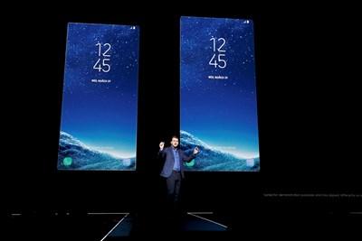 Новите модели на Samsung бяха представени в четвъртък. СНИМКА: РОЙТЕРС