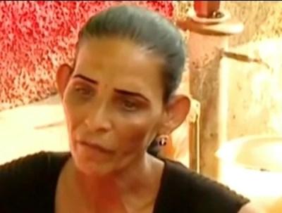 Лелята на откритото с верига на крака момиче: Тя и брат й крадат много