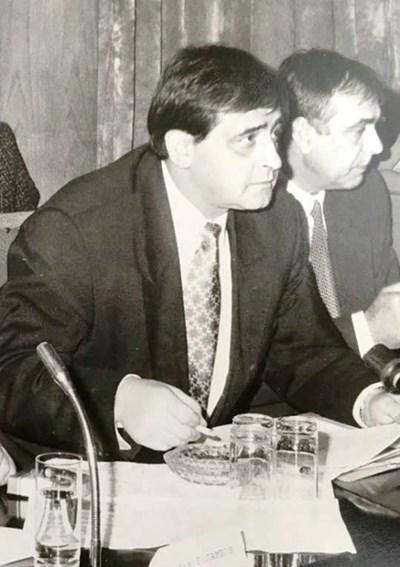 Николай Добрев като министър на вътрешните работи прлез 1996 г.