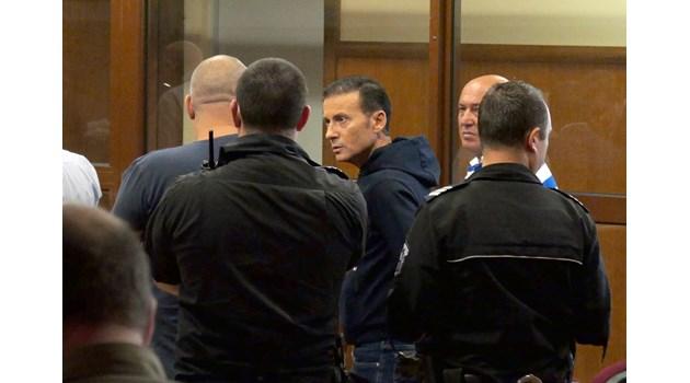 Порожанов на разпит за Миню Стайков, бизнесменът остава за постоянно в ареста (Обзор)