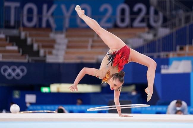 Катрин Тасева по време на съчетанието си с обръч на олимпийските игри.  СНИМКА: ЛЮБОМИР АСЕНОВ, LAP.BG
