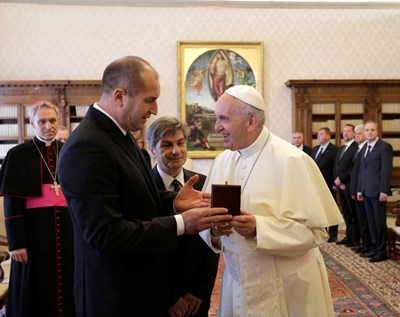 Румен Радев беше приет на аудиенция при папа Франциск. СНИМКА: ПРЕЗИДЕНТСТВО