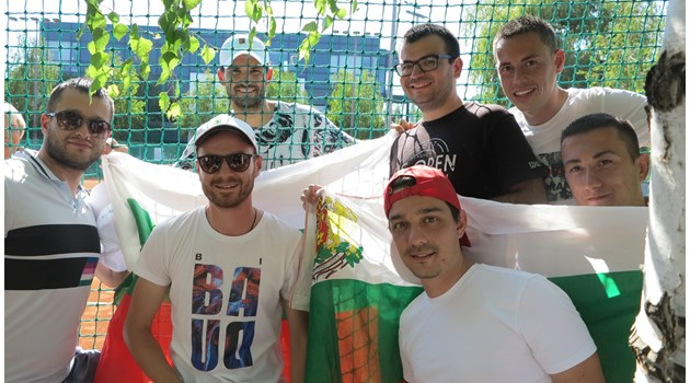 Григор Димитров тренира пред български фенове в Белград (снимки)