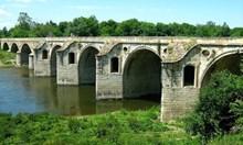 Ако Кольо Фичето имаше четирима заместник директори, мостът при Бяла още нямаше да бъде построен