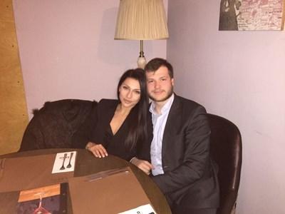 Николай Банев и съпругата му - талантливата дизайнерка Радостина Фотева, с която са семейство от 19 май т.г.