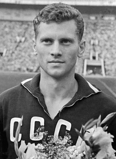 Почина Виктор Понеделник - победният голмайстор в първото европейско